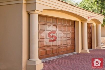 5 Items You Should Never Store in Your Garage