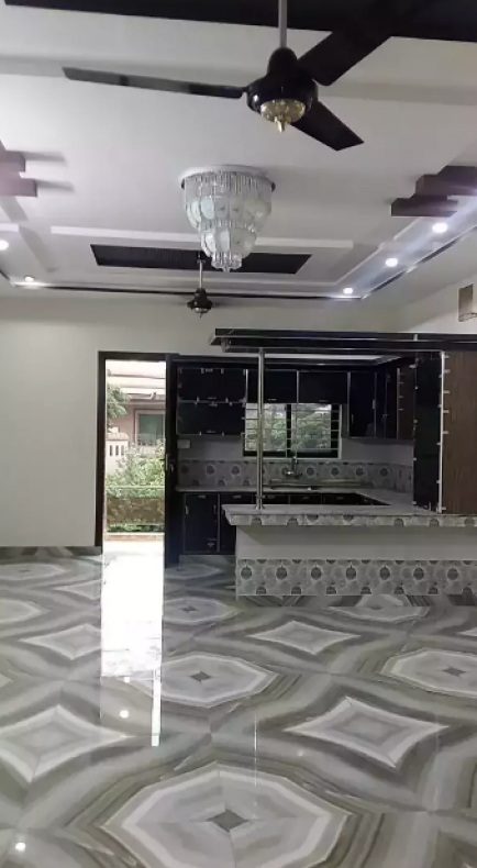 5 Bedroom House For Sale in Gujranwala - SabzProperty